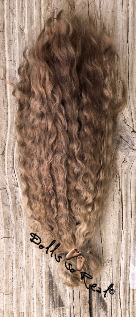 Aunt B's Treasured Tendrils Curly/Wavy Mohair 1/2 oz
