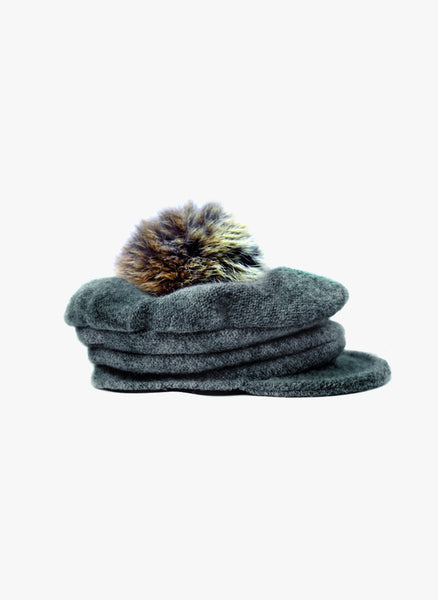 Amour Bows Newsboy Hat in Grey