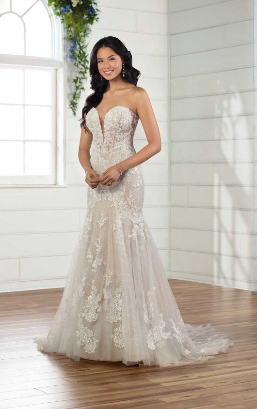Essense gown d2888