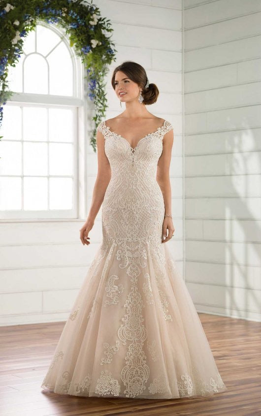 Essense gown D2434