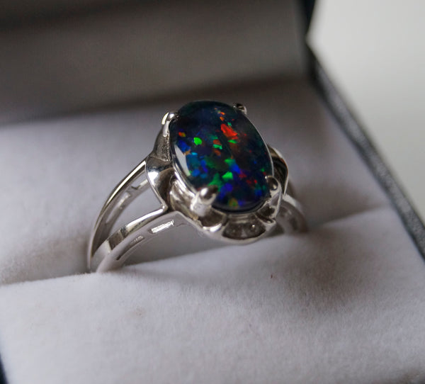 Opal ring set in Stirling Silver - Divine Gift Olinda
