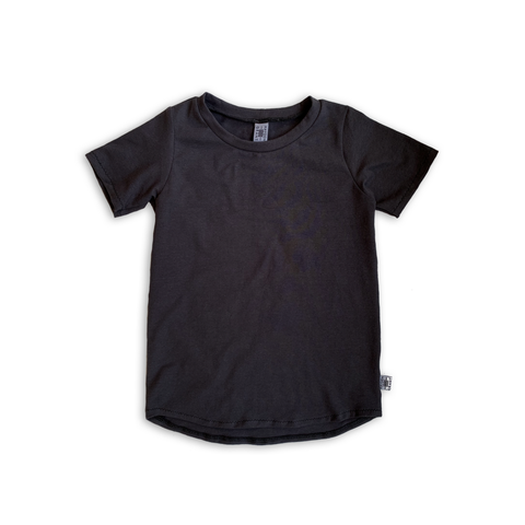 Curved Hem Tee in Solid Onyx Black
