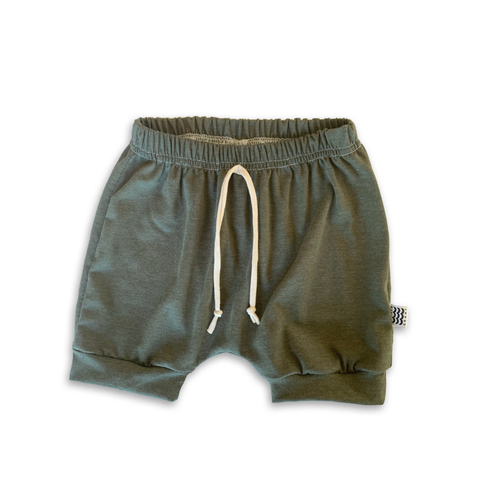 Crew Shorts in Eucalyptus