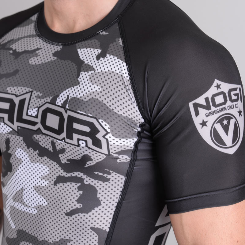 Valor Liquid Camo Rash Guard Urban