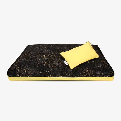 Nova's Night | Elegant black with a hint of gold hypoallergenic natural dog bed cover from DreamCastle - DreamCastle Natural Dog Bed
