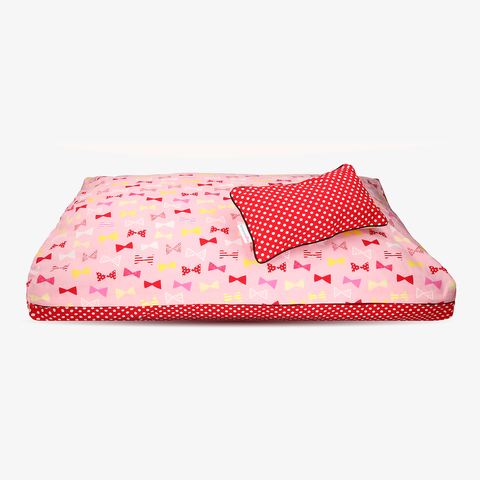 Red Ribbon | A super cute red polkadot dog bed cover from DreamCastle - DreamCastle Natural Dog Bed