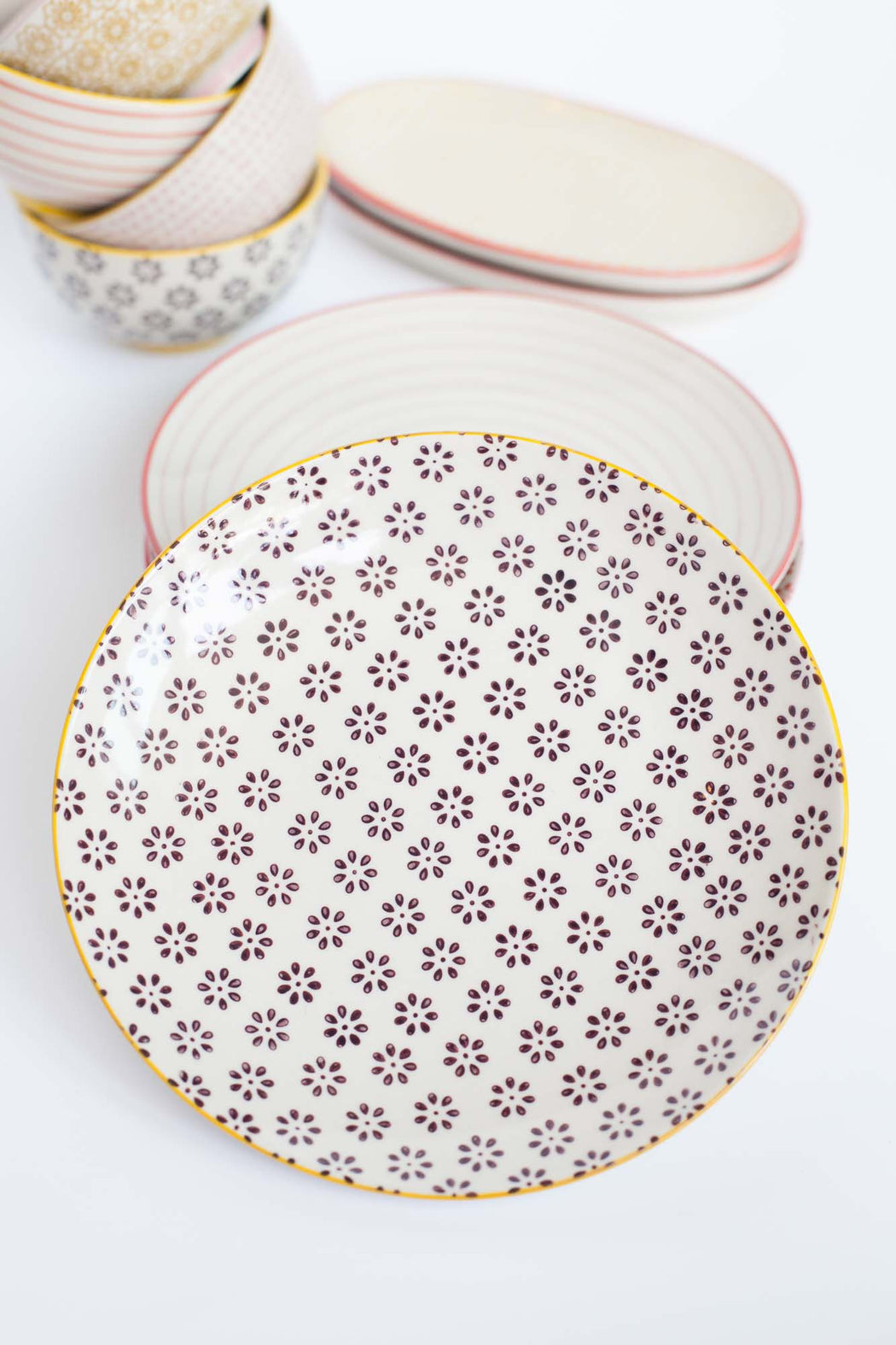 Susie Round Plate, Dining, Bloomingville - 3LittlePicks