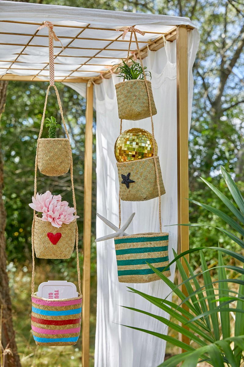Seagrass Hanging Storage Baskets with Star
