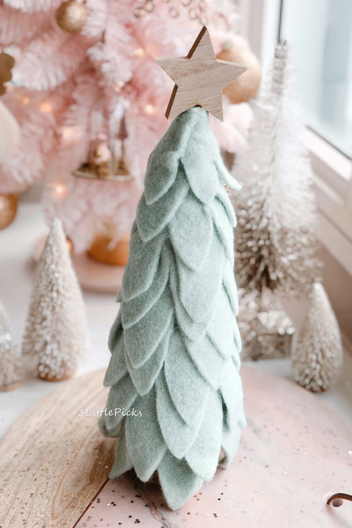 Chic Minty Leaves Woollen Decor Tree