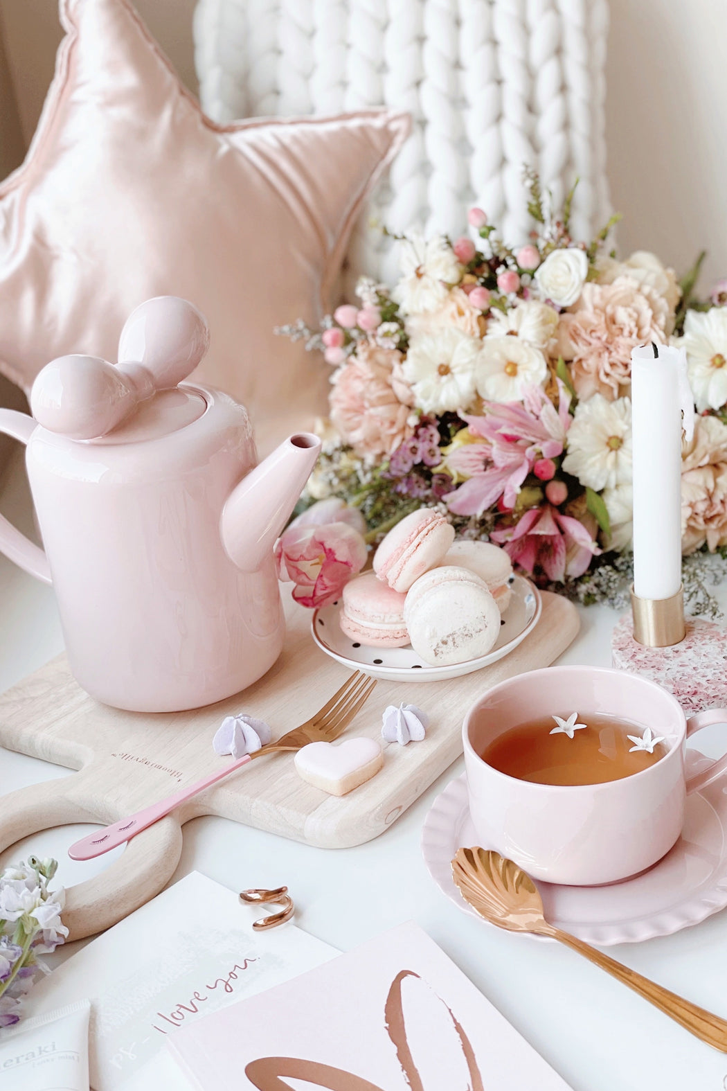 Dusty Pink Bow Tea Time