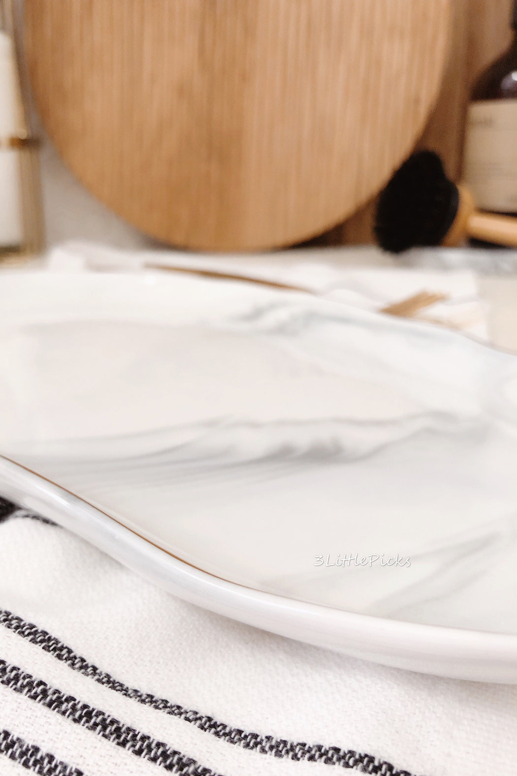 Irregular Marble Effect Tableware