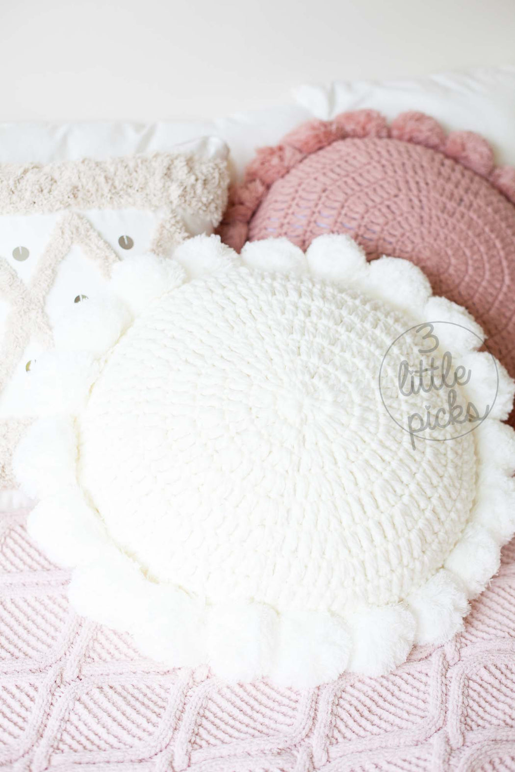 Knitted Tassel Round Cushion, Cushion, 3littlepicks - 3LittlePicks