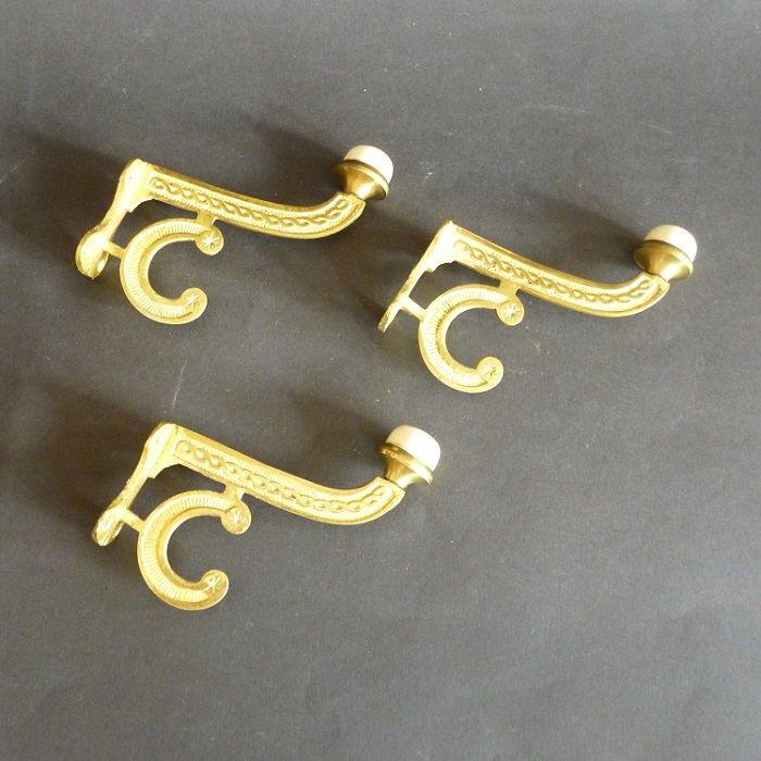 Set of 3 Victorian gilt-brass Single Hooks (2426)
