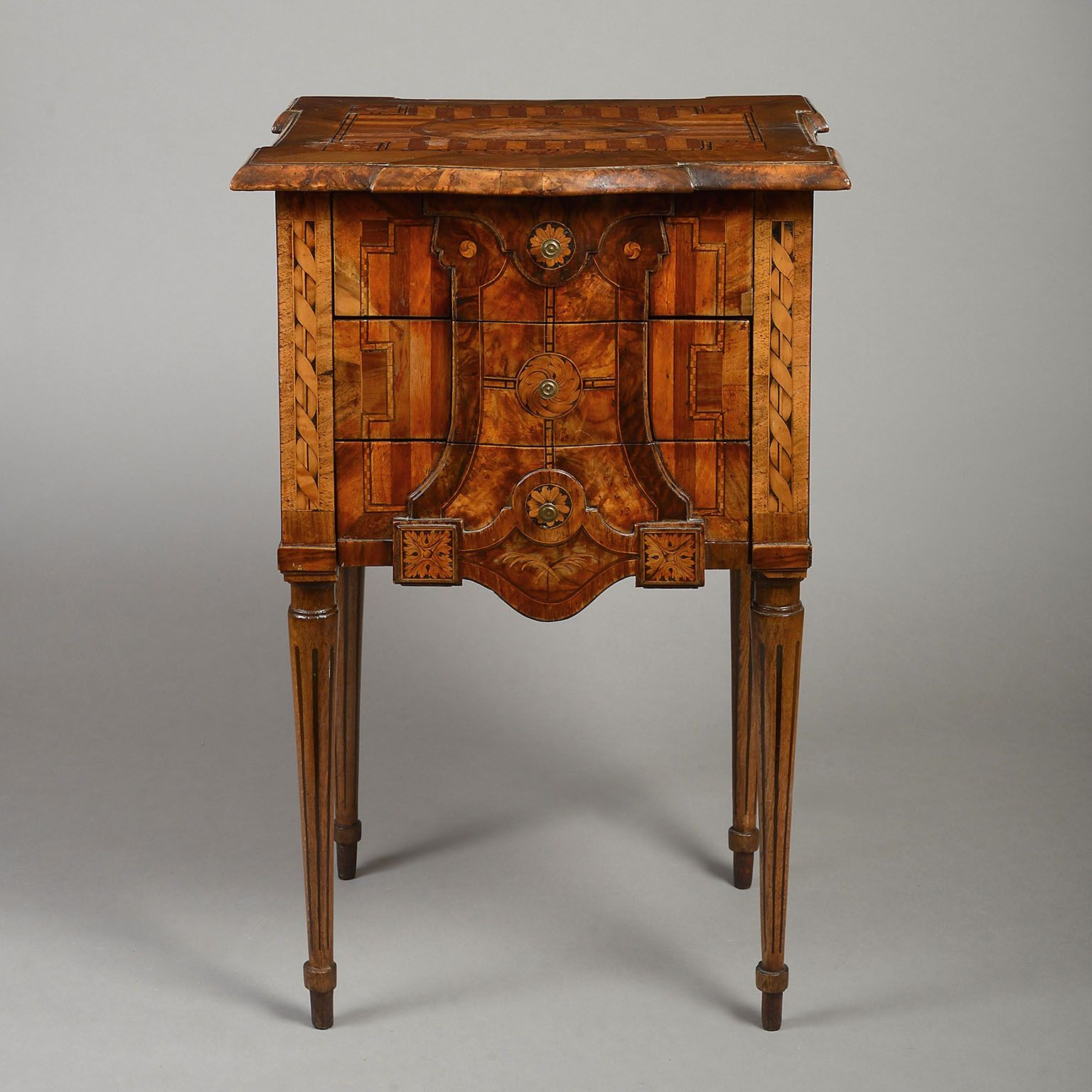 Marquetry Table de Nuit