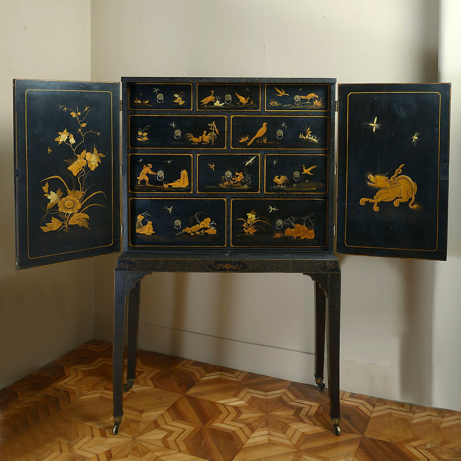 Rare George 1 Japanned Cabinet on Stand