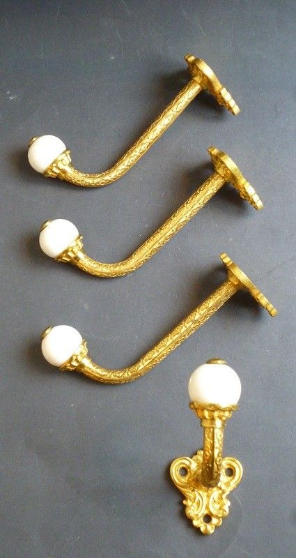 Set of 4 Single Hooks (2062)