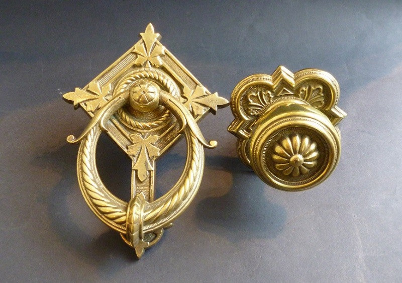 Set of Door Knocker & Centre Door Pull (2330)