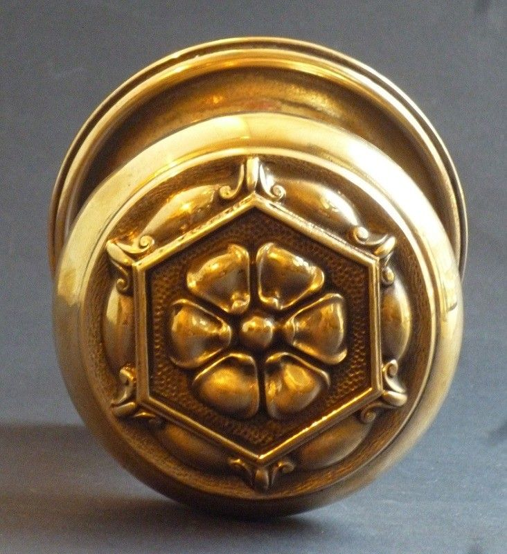 Tudor Rose Centre Door Pull (2479)