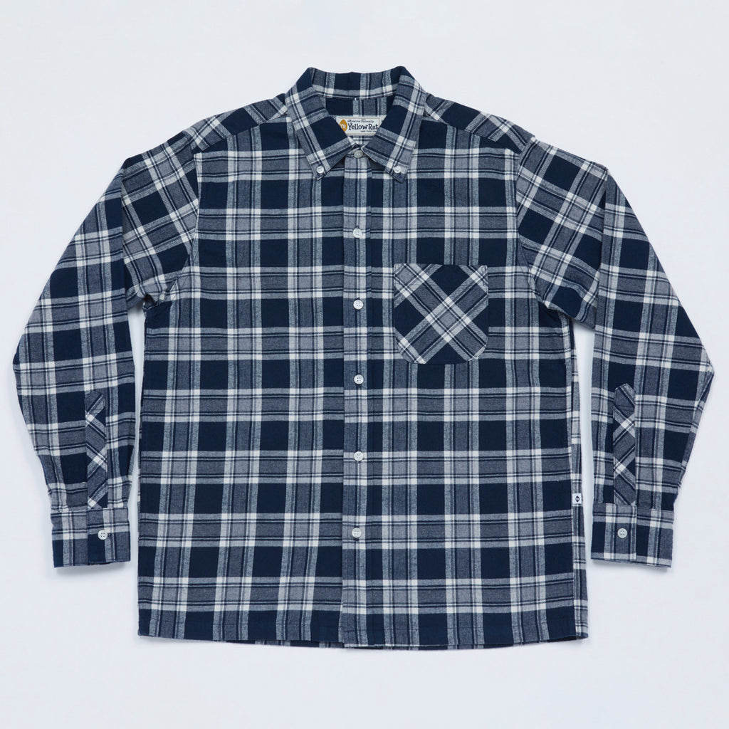 Convertible Collar Button-down in Plaid Flannel (Navy x Gray)