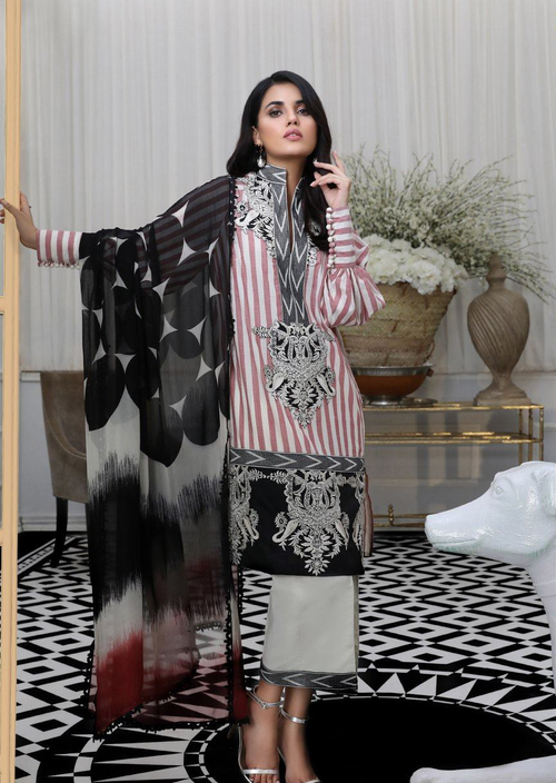 Sana Safinaz | Pre Fall Embroidered | 5