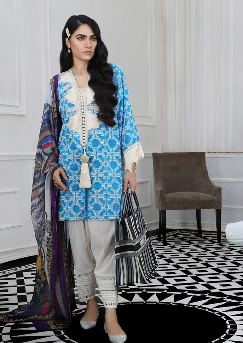 Sana Safinaz | Pre Fall Embroidered | 8