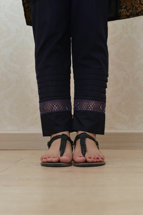 Haniyas, Detailed Straight Trouser | Navy