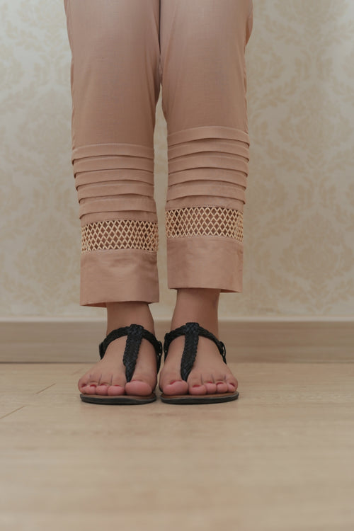 Haniyas, Detailed Straight Trouser | Beige