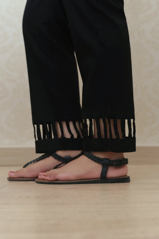 Haniyas, Cutout Straight Trouser | Black
