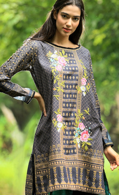 Pushtani Embroidered by LSM - Design P992