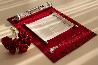 Champagne Scroll with Silver Case