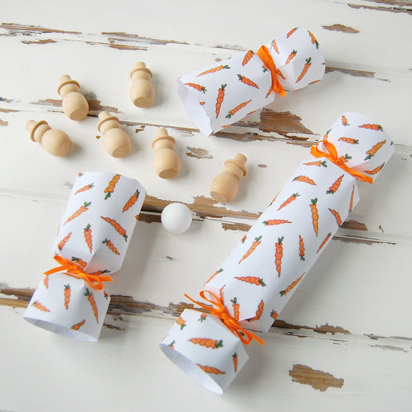 Carrots and snowmen crackers