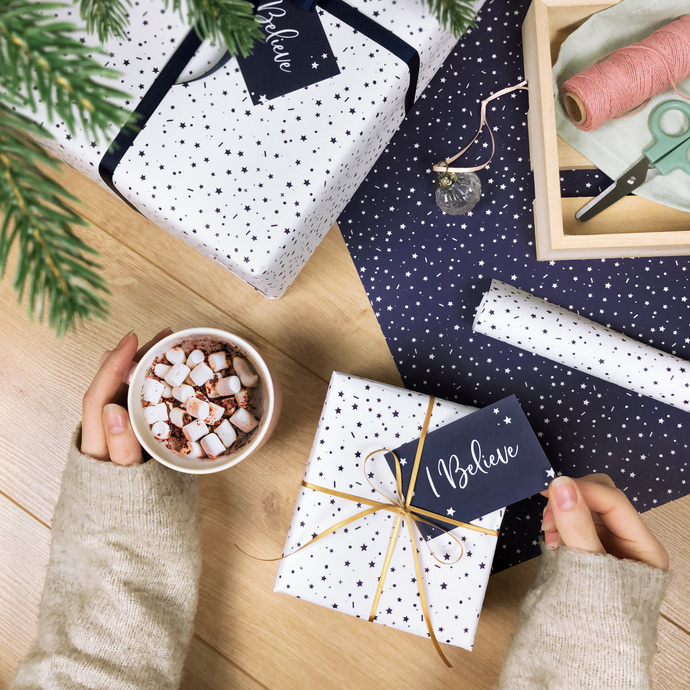 'I Believe' Christmas Stars White Wrapping Paper Set - Clara and Macy