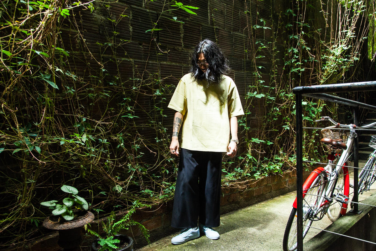 "MERRY COMPANY: HEAVYWEIGHT OVERSIZED TEE ""LEMONGRASS"""