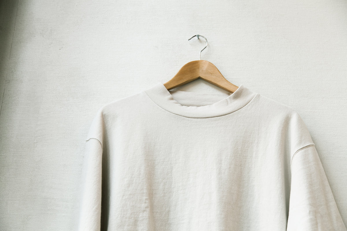 "MERRY CO SS18: HIGH NECK CUT-OFF TEE ""WHITE SAND"""