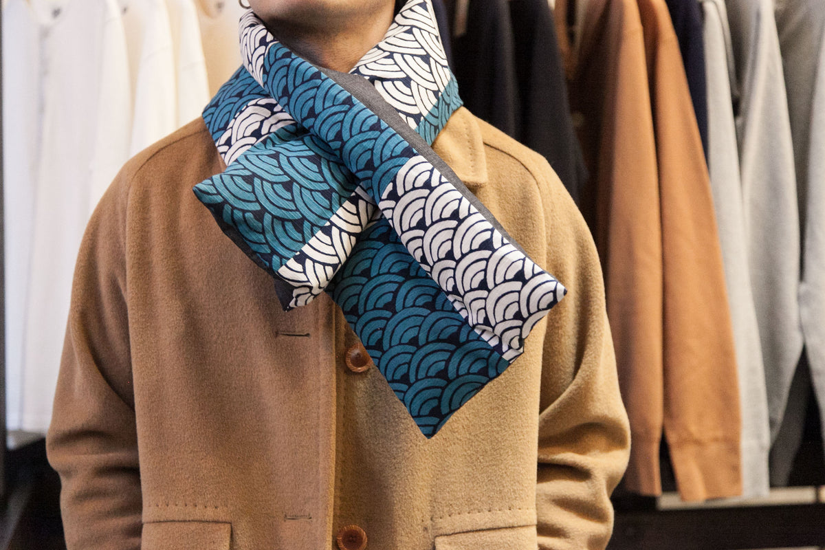 REVERSIBLE DOWN SCARF: BLUE WAVE | RED & BLUE HANA