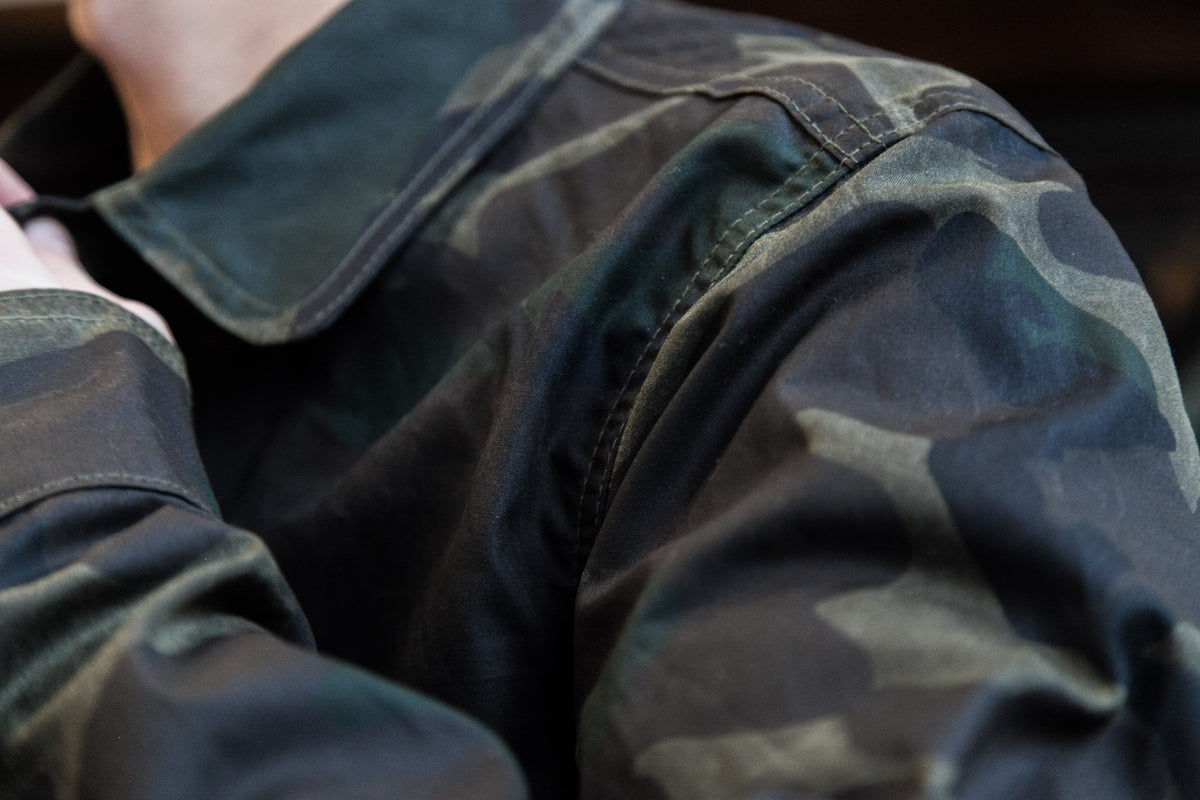 "ROGUE TERRITORY SS18: FIELD JACKET ""WAXED OLIVE CAMO"""