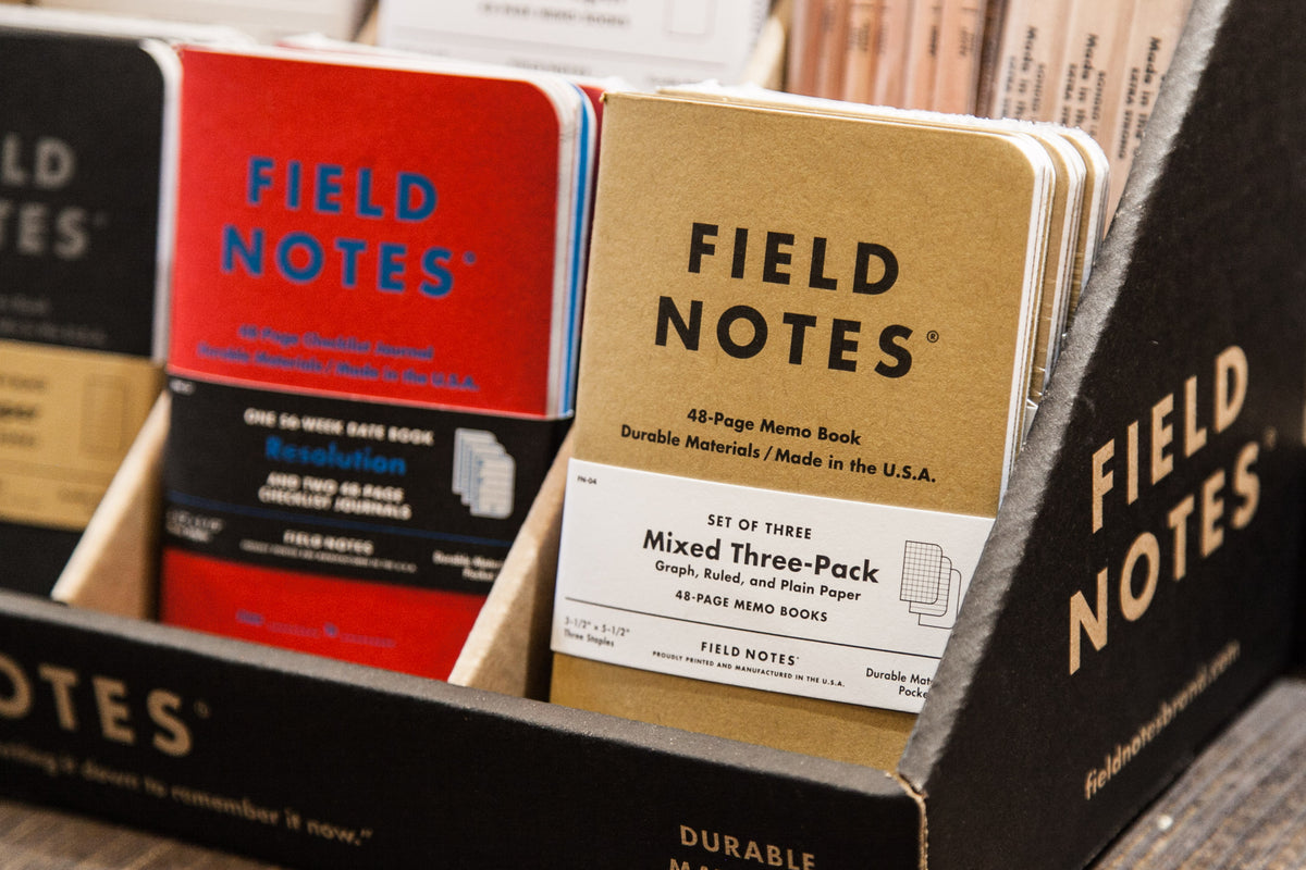 "FIELD NOTES: CLOSE-UP ON THE ORIGINAL KRAFT 3-PACK ""MIXED"""