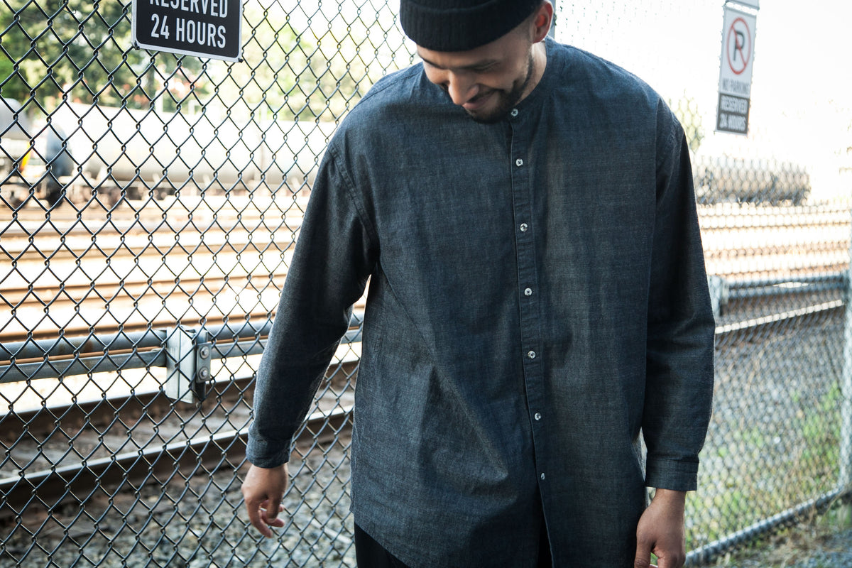 SLICK & EASY: BAND COLLAR EAST SHIRT