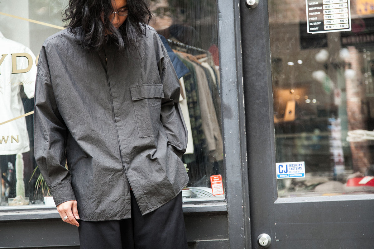 "KAPTAIN SUNSHINE SS18: FLY FRONT BAND COLLAR SHIRT ""CHARCOAL GREY"" *SALE*"