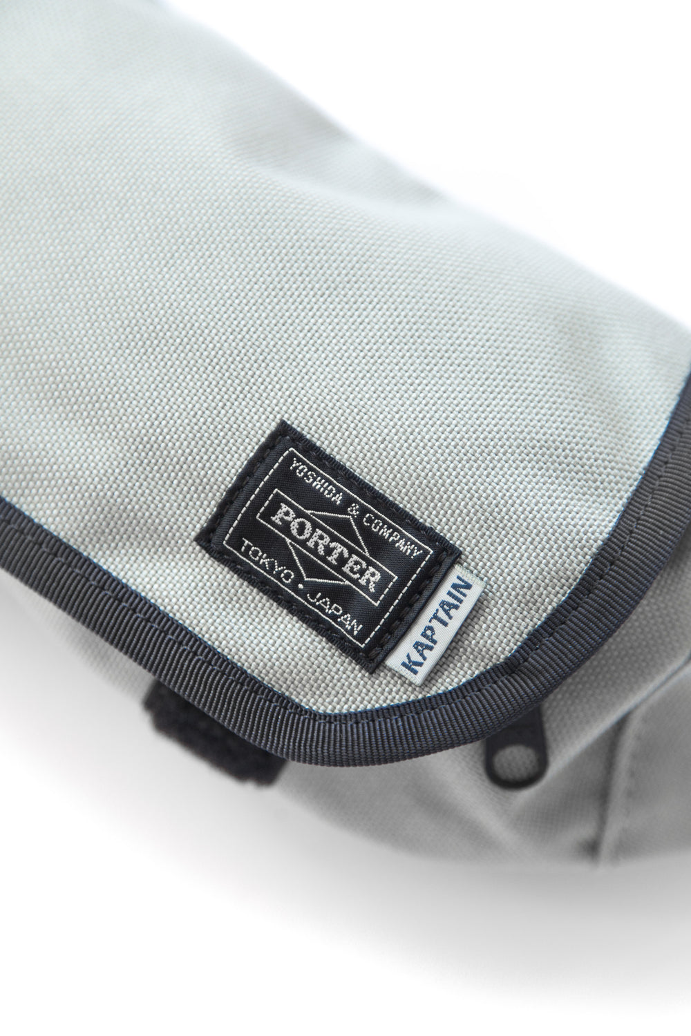 X PORTER TRAVELLER FUNNY BAG GREY