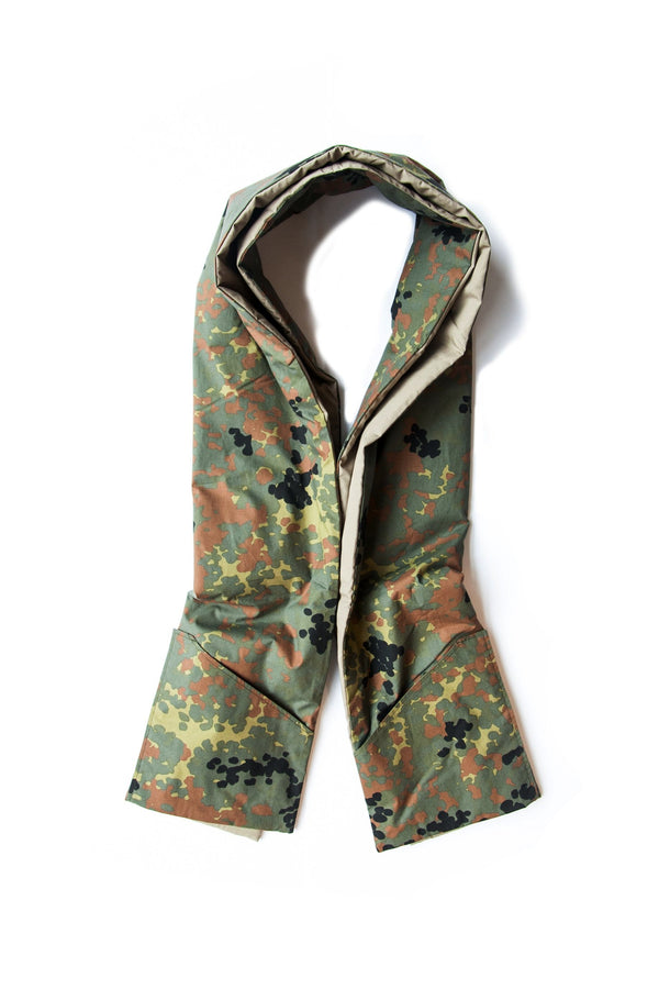 COTTON SHELL STOLE W/ POCKETS KHAKI X GERMAN CAMOUFLAGE