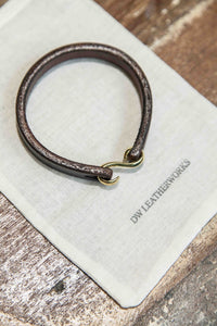 S-HOOK TEARDROP BRACELET - BROWN