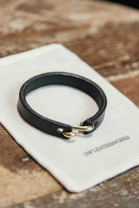 S-HOOK TEARDROP BRACELET - BLACK