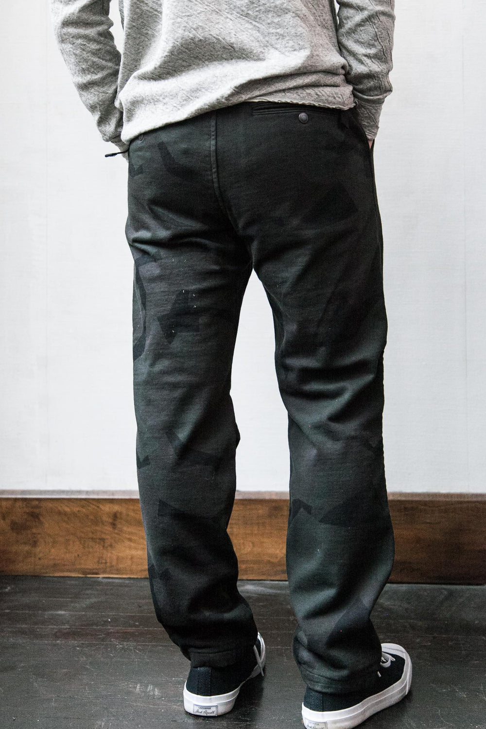 CAMO ANKLE TROUSERS - CHARCOAL CAMO