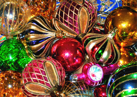 ------ Christmas Baubles ------ Pack of 5 postcards