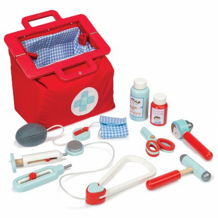 Le Toy Van Doctors Medical Set