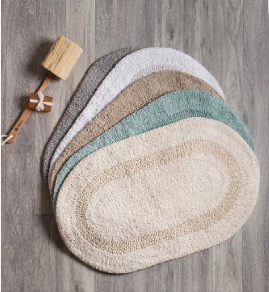 Serene Oval Bath Mat White