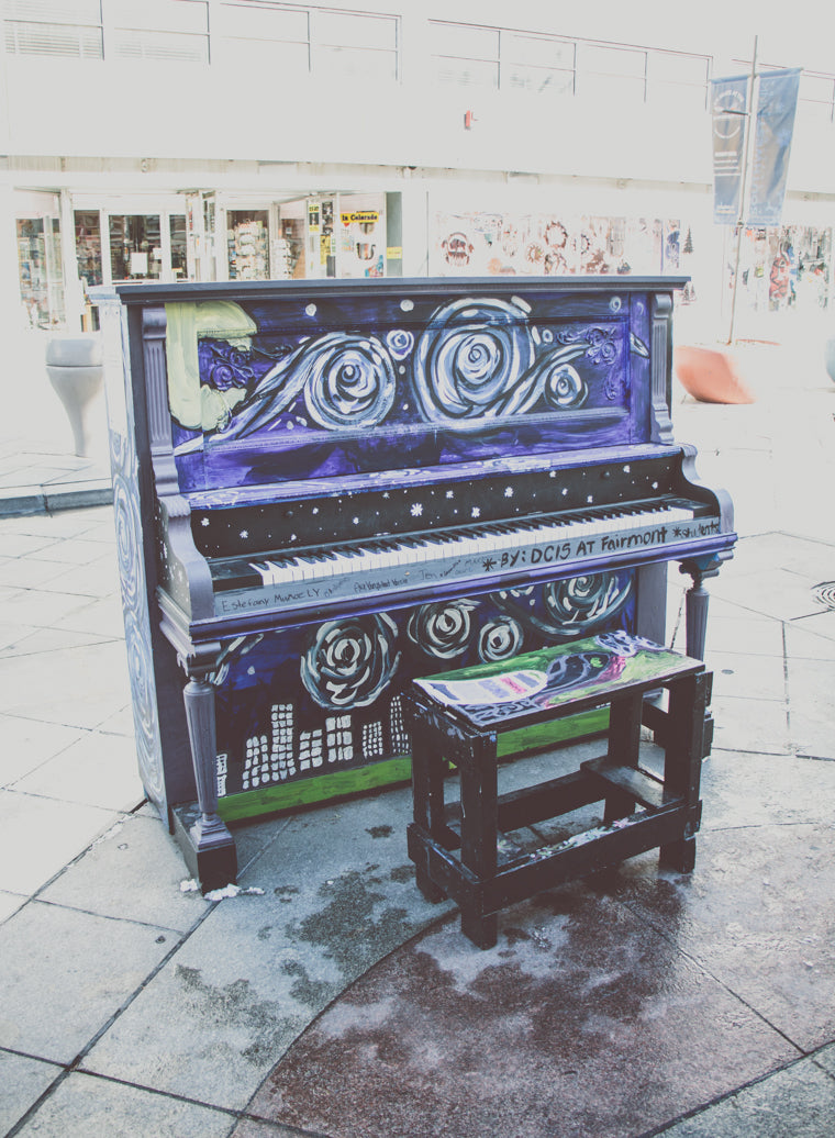 Photo of piano painted with Starry Nights