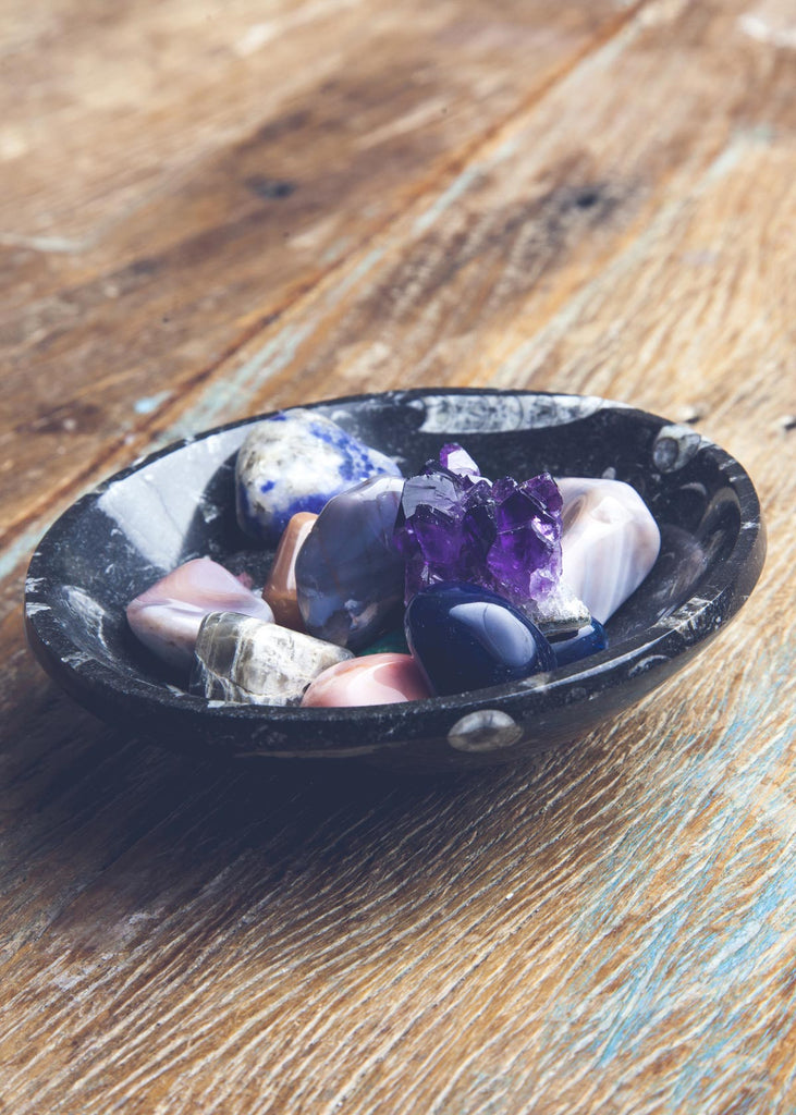 Small fossil bowl holding stones by SoulMakes