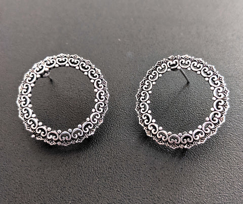 Antique silver oxidized heart edged hollow stud earring